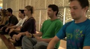 picture-grupo-meditando-copia-pequena